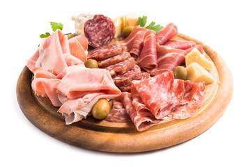 Zelfklevend Fotobehang Voorgerecht Tagliere di salumi, prosciutti e formaggi italiani