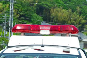 パトカーのパトランプ 安全運転 事故 イメージ