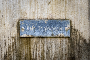 no drinking water sign in german language