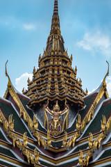 Großer Palast in Bangkok: Dach des Phra Thinang Dusit Maha Prasat