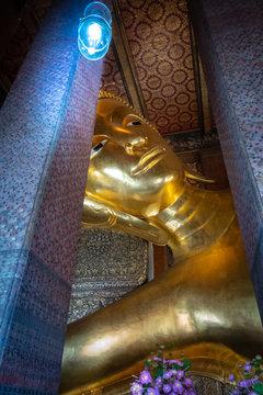 Goldener Buddha in Wat Pho