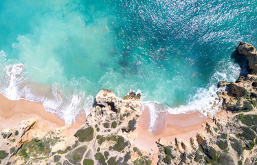 Fototapete - Aerial view of sandy beach and ocean with beautiful clear turquoise water.