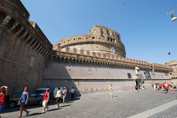 Castel Sant'Angelo; landmark; sky; tourism; tourist attraction