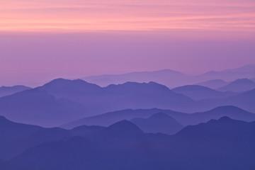 Lever et coucher de soleil sur les Pyrénées