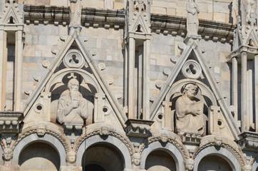 Piazza dei Miracoli; arch; classical architecture; building; architecture