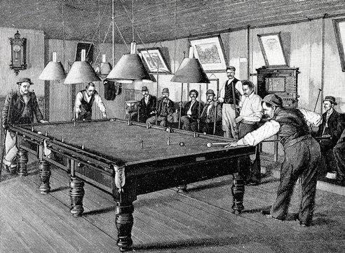 Männer beim Billard Spiel