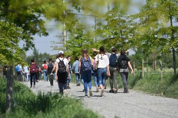 jeunes ecole excursion education etudiants groupe