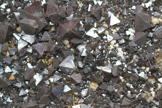 magnetite mineral texture