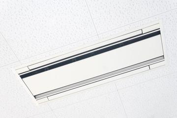 天井 エアコン