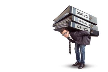 Mann ist belastet mit dem DSGVO Gesetz