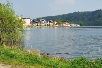 Edersee Ufer in Herzhausen bei Vollstau