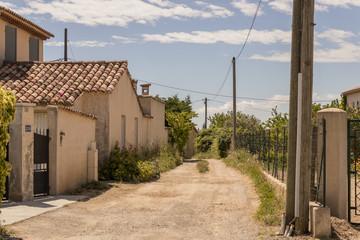 Seitenstraße in Südfrankreich provence