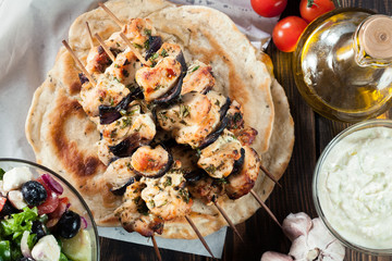 Chicken Souvlaki with pita bread and tzatziki sauce