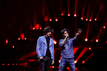 """Italy's Ermal Meta and Fabrizio Moro perform """"Non mi avete fatto niente"""" during the dress rehearsal for the Grand Final of the Eurovision Song Contest 2018 at the Alice Arena hall in Lisbon"""