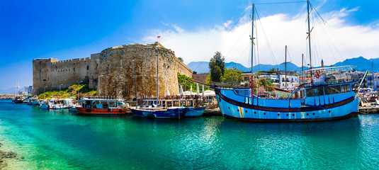 In de dag Noord Europa Landmarks of Cyprus - Kyrenia town , medieval fortress in northen turkish part
