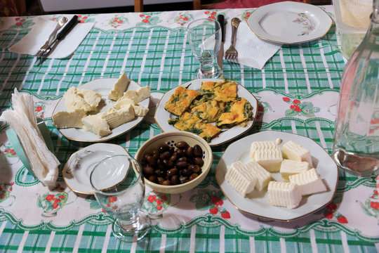 Italy, southern Italy. Puglia. Typical farmhouse mid-day meal.