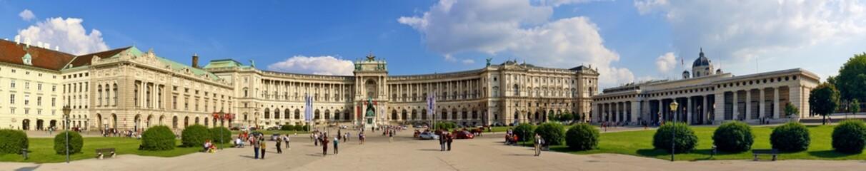 Keuken foto achterwand Wenen Hofburg in Wien und Heldenplatz mit Heldentor, Panorama