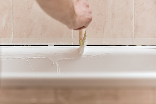 Process of applying liquid acrylic on old bath enamel