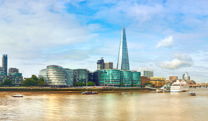 Fototapete - London, South Bank Of The Thames on a bright day