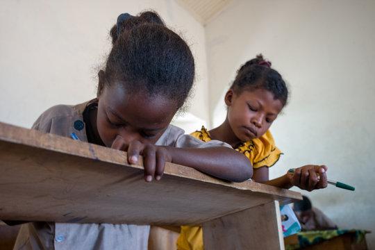 enfants à l'école Madagascar