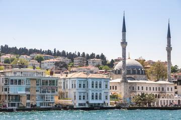 Moschee am Ufer des Bosporus, Istanbul