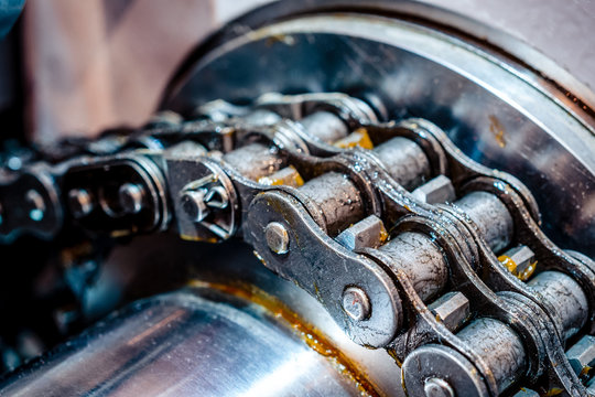 Mechanical chain transmission. Double-row roller chain