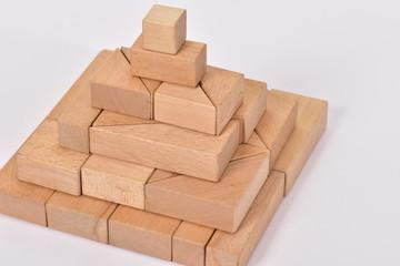 積木 ピラミッド