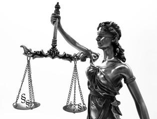 Justiz Statur auf weißem Hintergrund