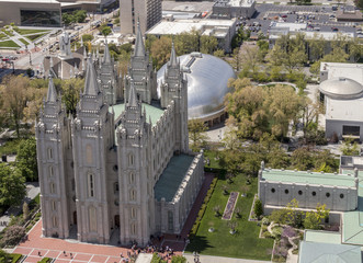 Aerial view of Temple Square including Salt Lake Temple and the Tabernacle, and early summer weddings celebrations. The Church of Jesus Christ of Latter-day Saints, Salt Lake City, Utah, USA.