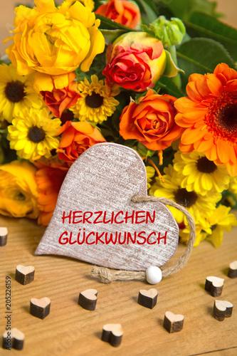 Blumen Und Herz Herzlichen Glückwunsch Stock Photo And