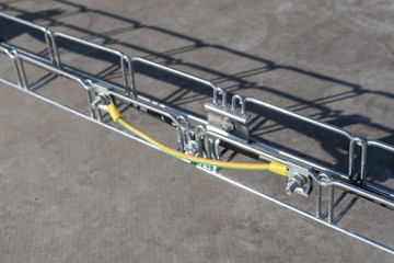 Cable connection on the cable tray.