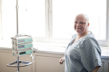 woman in hospital suffering from cancer