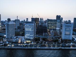 夕方の都市風景