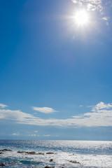 soleil sur fond de ciel bleu