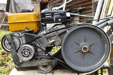the engine light agricultural machine with a drive