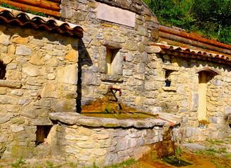 fontaine de village drôme