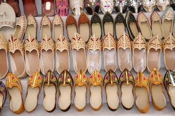 Schuhe, Pushkar Mela, größter Kamel und Viehmarkt, Pushkar, Rajasthan, Nordindien, Asien