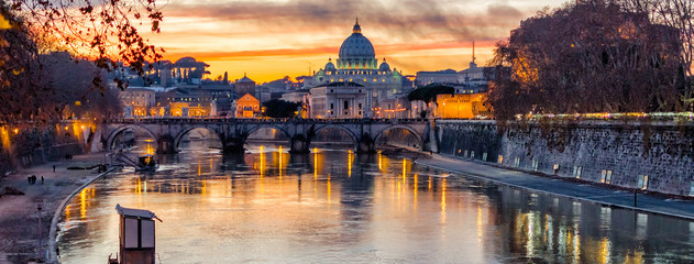 St. Peter's Cathedral at sunset in Rome, Italy Fotomurales