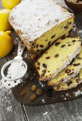 Lemon cake with raisin