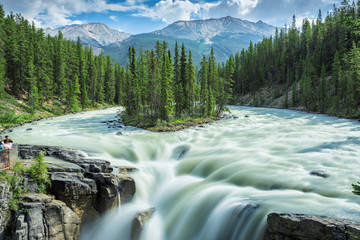Beautiful view to Sunwapta falls in Jasper National Park, Alberta, Canada. Fototapete