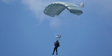 bannière parachutiste atterrissage