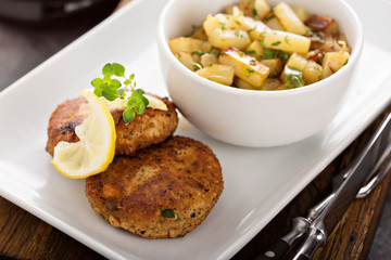 Crab cakes with potatoes