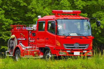 待機する消防車