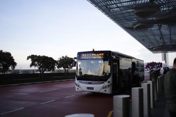 空港のシャトルバス