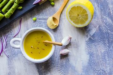 Spoed Foto op Canvas Kruiderij Ingredients for preparing a French salad dressing.