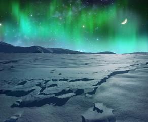 Aurora polaris over icy plain