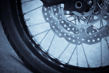 Motorcycle double disk brake