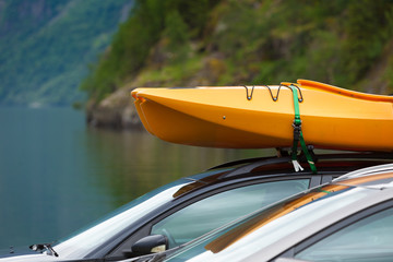 Car with canoes on top