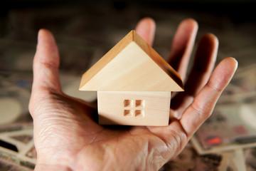 住宅とお金のイメージ