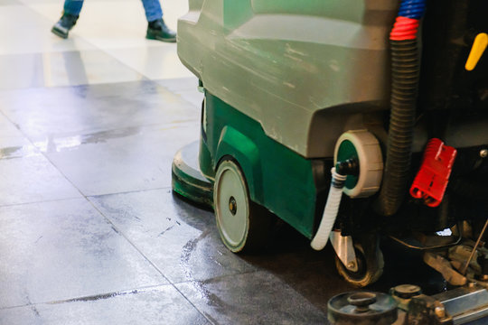 Scrubber Machine For Cleaning warehouse Floor